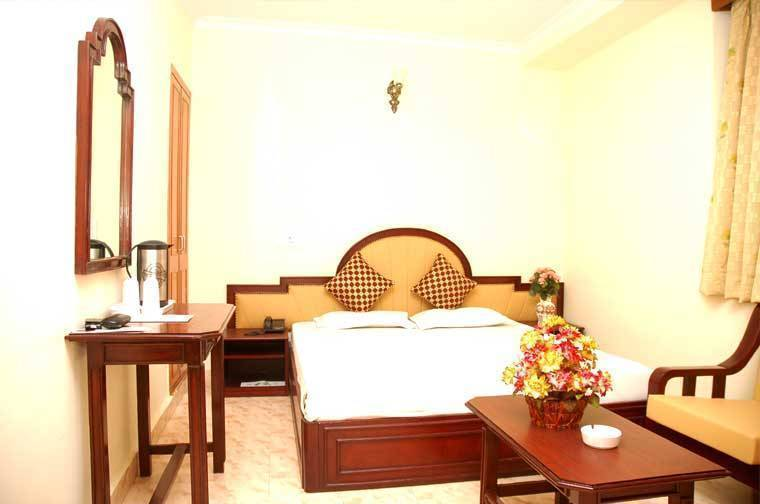 Hotel Harjas Palace, New Delhi, India, holiday vacations, book a hotel in New Delhi